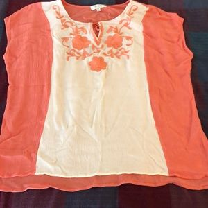 2XL Umgee peasant blouse. EUC peach & white